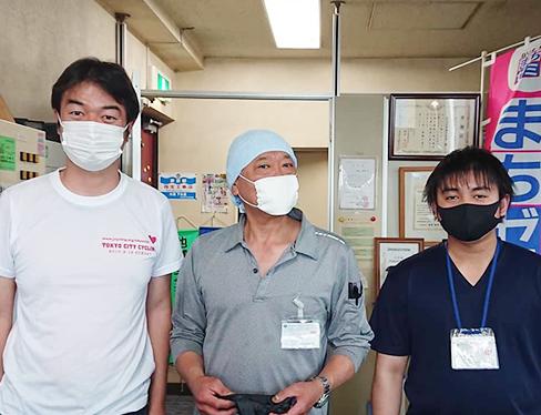 作業員は日頃から体温測定を行っており、37.5度以上あるスタッフは訪問・作業を禁止しております